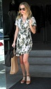 Kate-Bosworth-shopping-on-Melrose-Los-Angeles